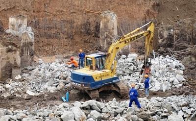 Phá dỡ công trình quận Phú Nhuận